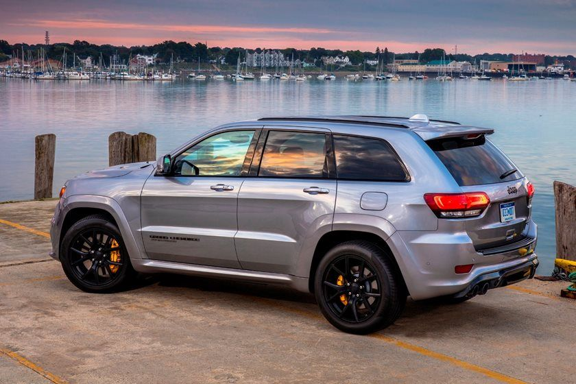 2020 Jeep Grand Cherokee Trackhawk Rear Angle View Photo In 2020