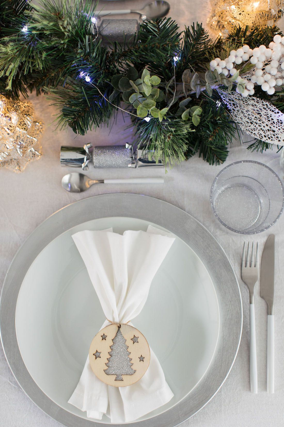 Scandinavian Inspired Christmas Table Styling That S Affordable