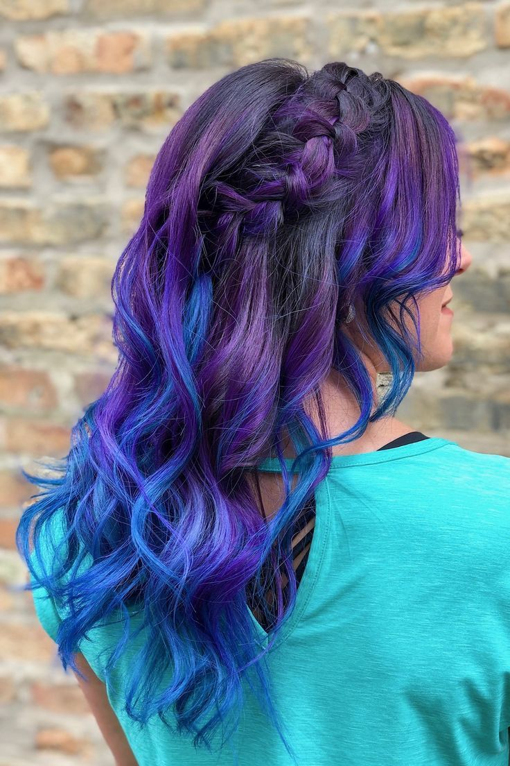 how beautiful are these blue + purple ombré waves?! love