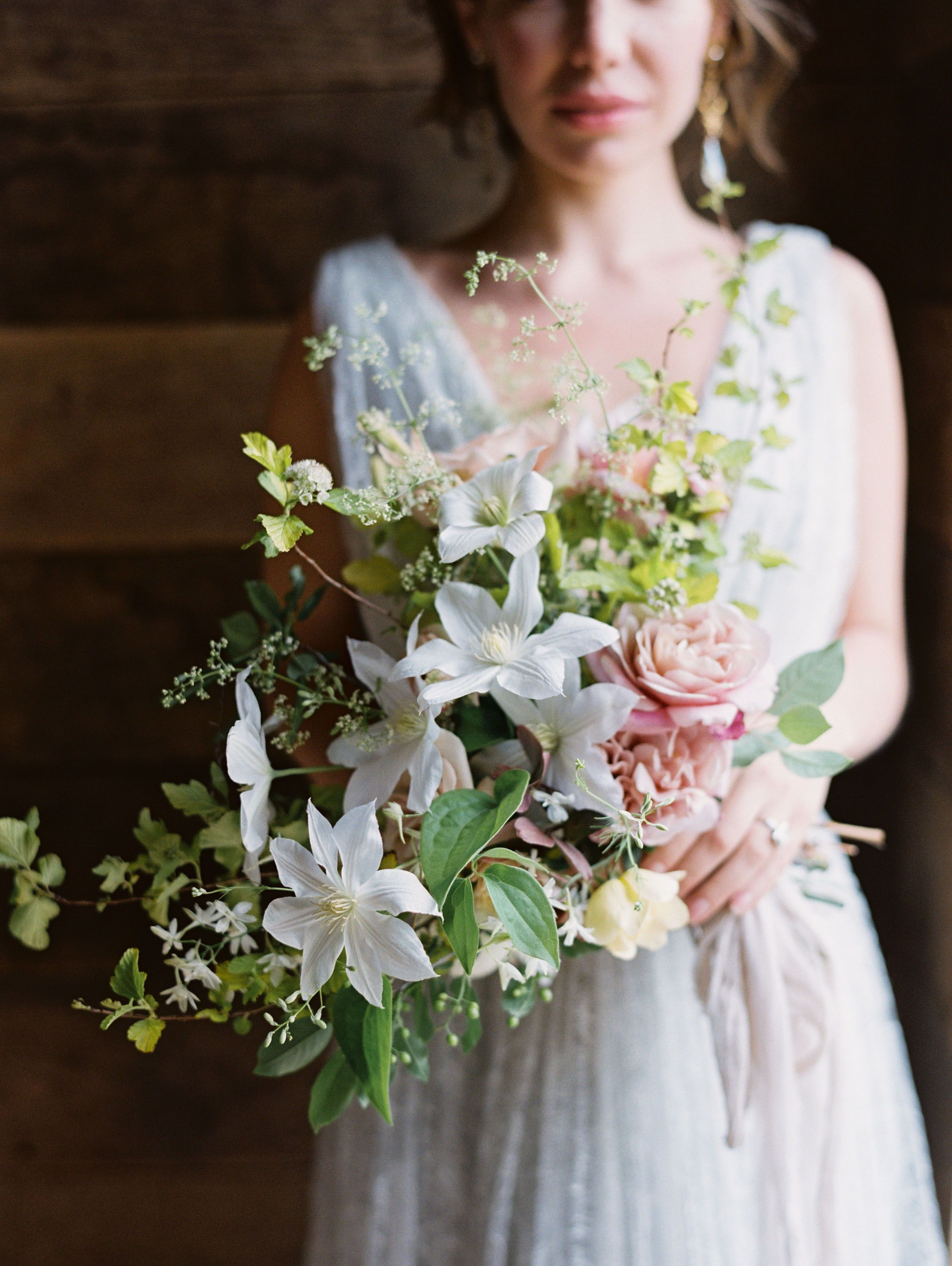 Unique Wedding Pos | Field Wedding Farm Barn Beautiful Attire Outfit Inspiration