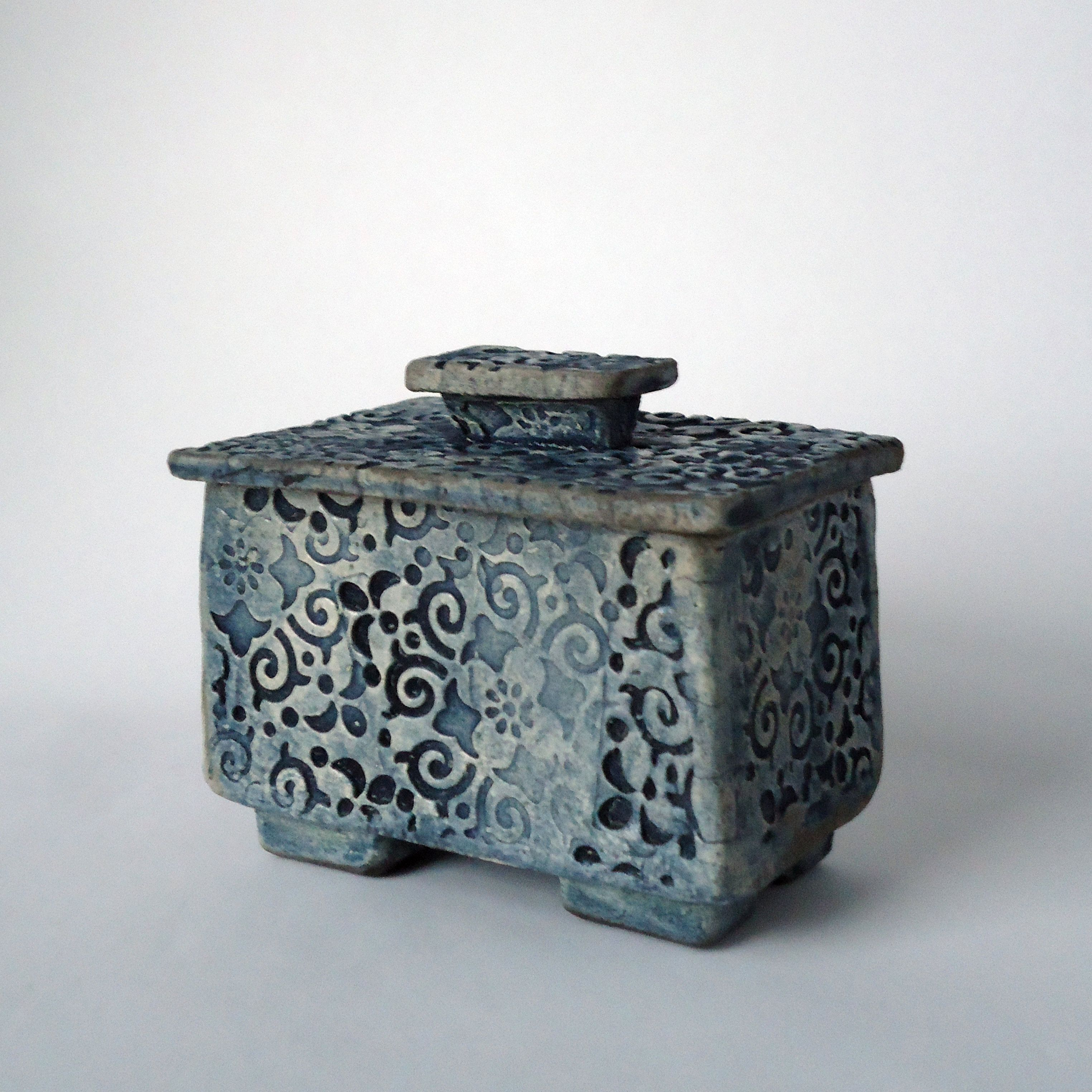 Browse Unique Items From Soleyceramics On Etsy A Global Marketplace Of Handmade Vintage And Creative Goods Ceramic Pottery Raku Ceramics Ceramic Boxes