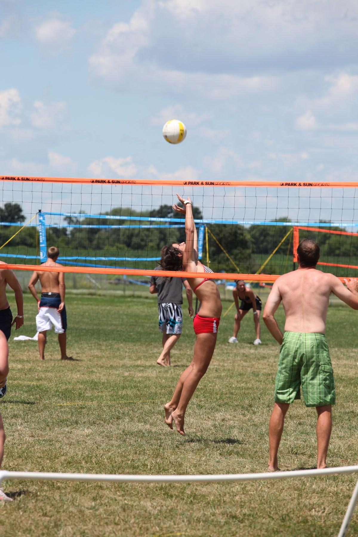 Us Open Grass Volleyball Oshkosh Wi Volleyball Oshkosh Running