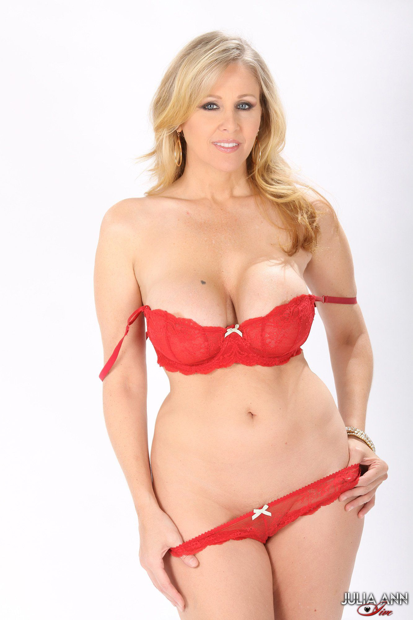 Mas Julia ann yes Johnny!