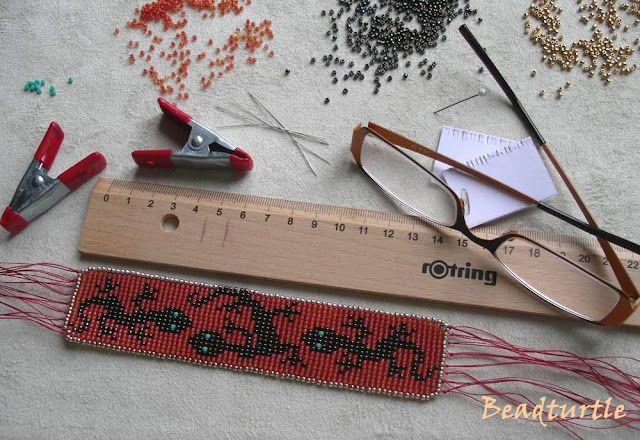 Como hacer un telar para pulseras con una regla telar - Como trabajar desde casa haciendo manualidades ...