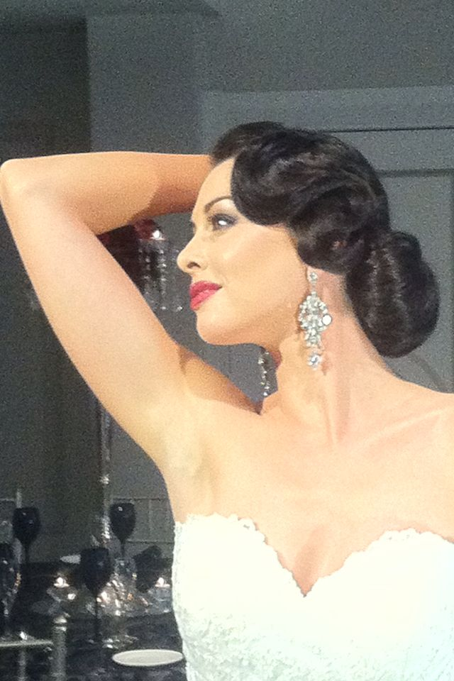 Hairstyle 6 The Finger Wave With A Low Bun Is Classic Glam It