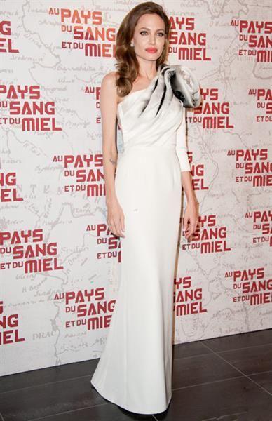 Джоли фото в белом платье