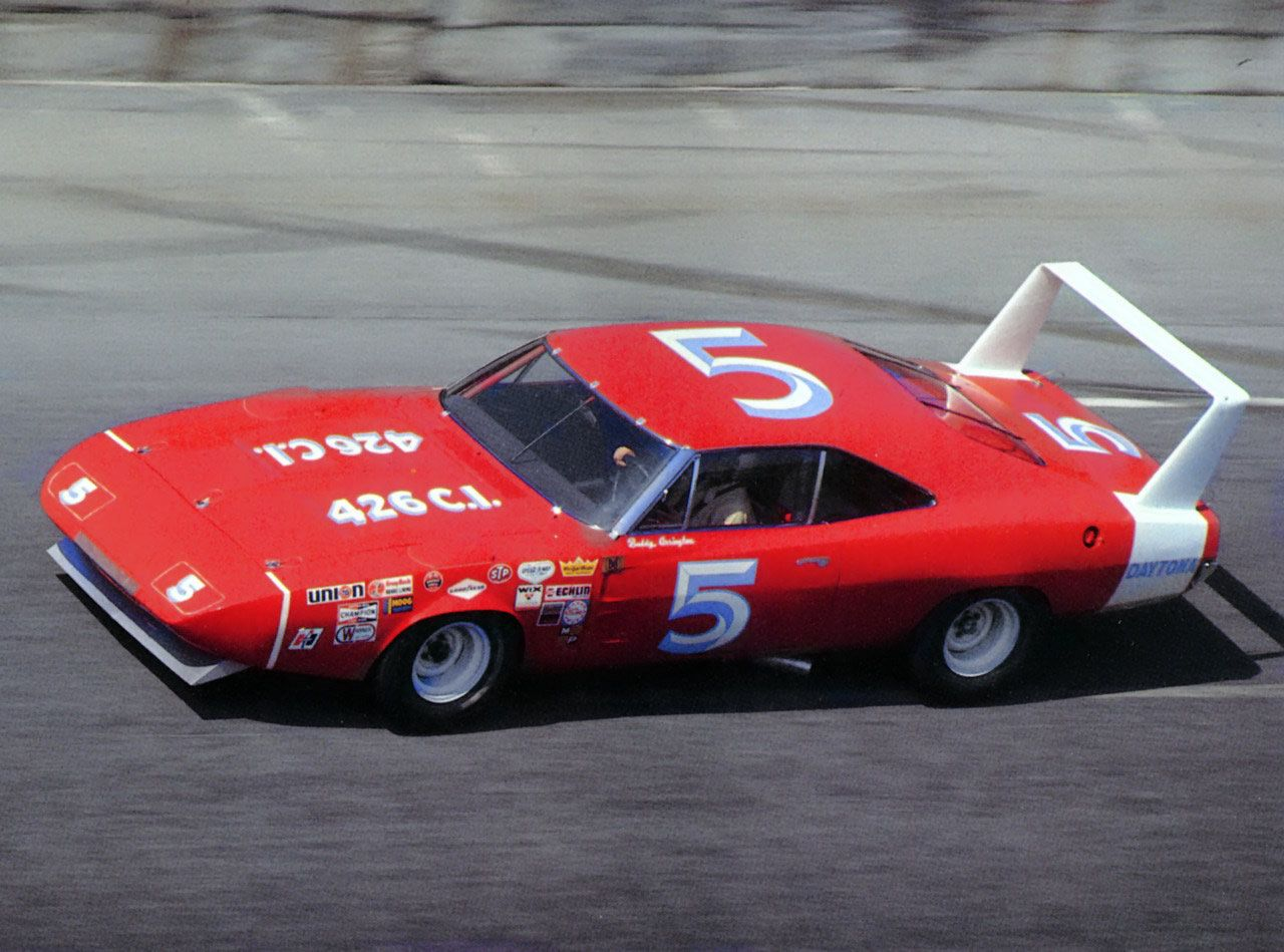Nascar Racing 1969 Dodge Charger Daytona Nascar Race Car At Speed