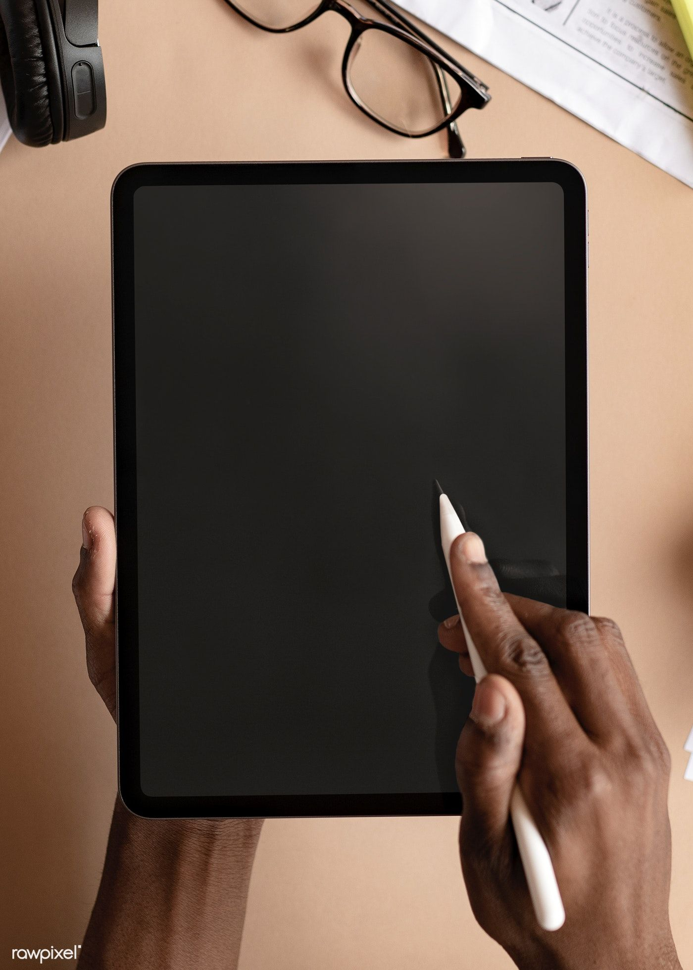 Download Premium Psd Of Black Woman Using A Digital Tablet Mockup
