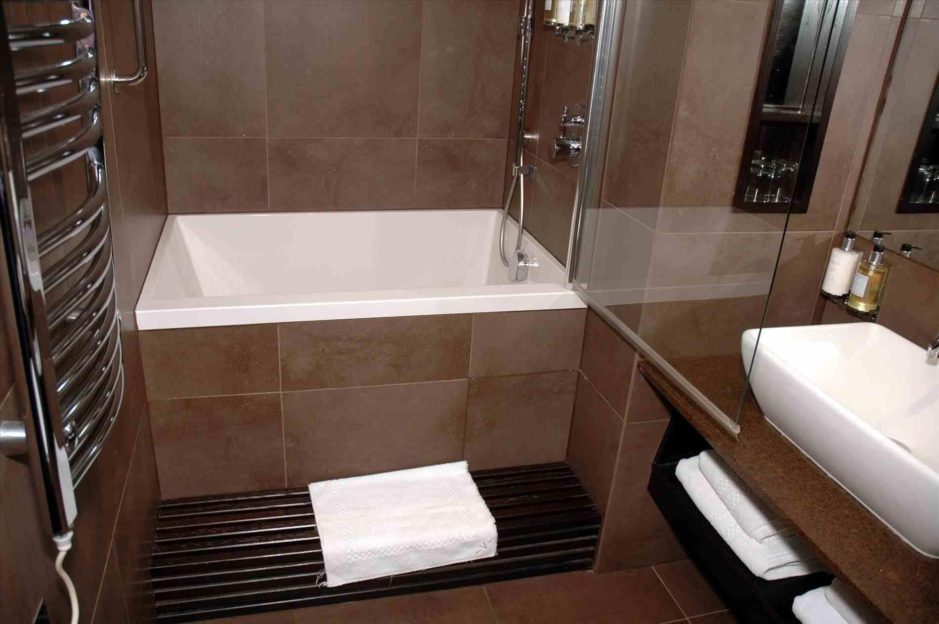 New Post Small Master Bedroom Bathroom Ideas Visit Bobayule Trending Decors