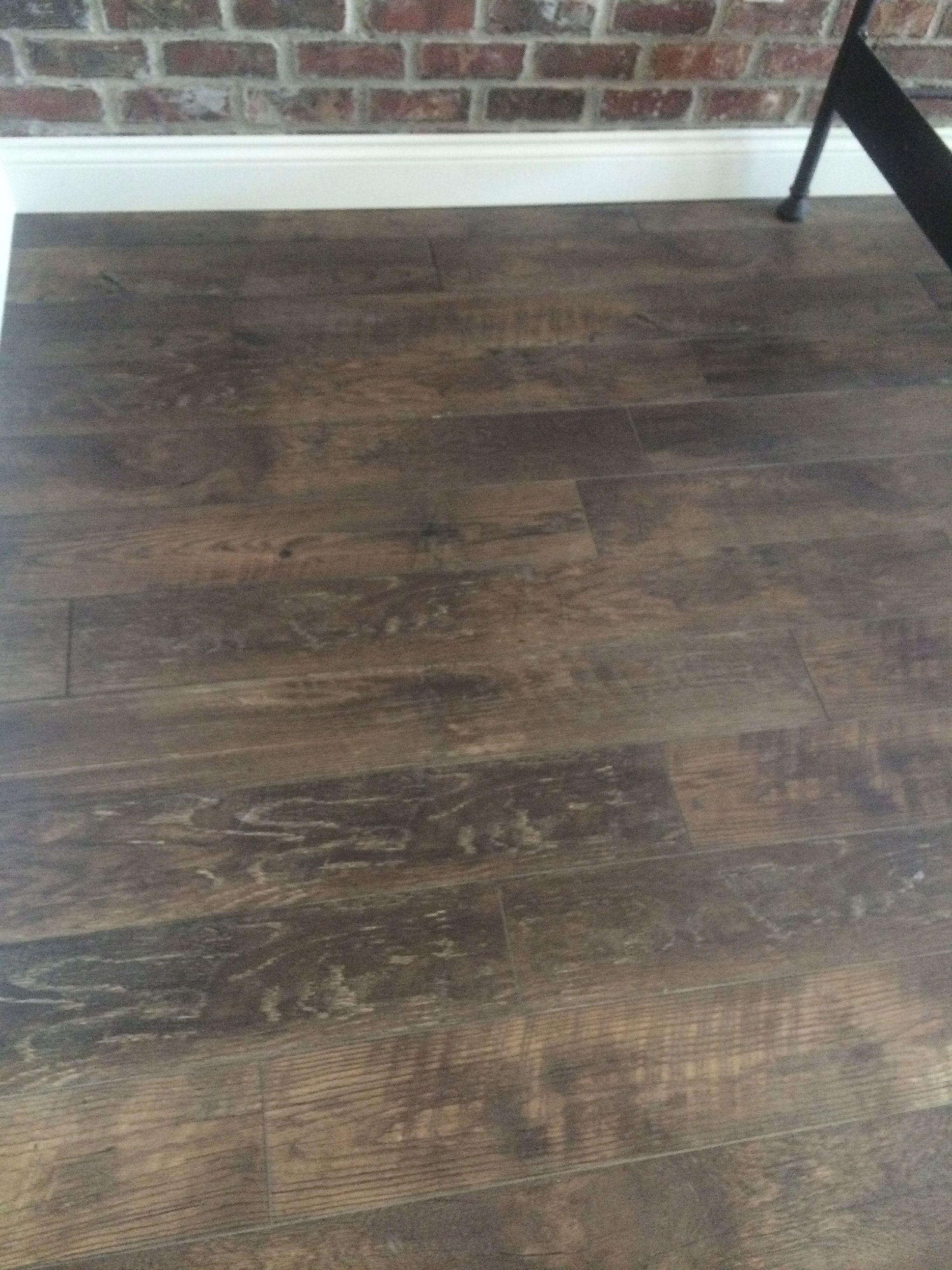 Mannington restoration collection 39 s historic oak laminate for Hardwood floors too shiny