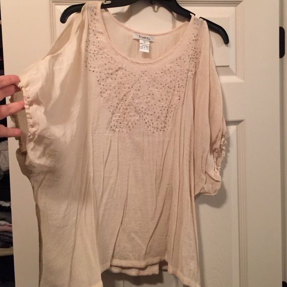 Hip top Pinky cream colored top with cut out shoulders Pinky Tops Blouses