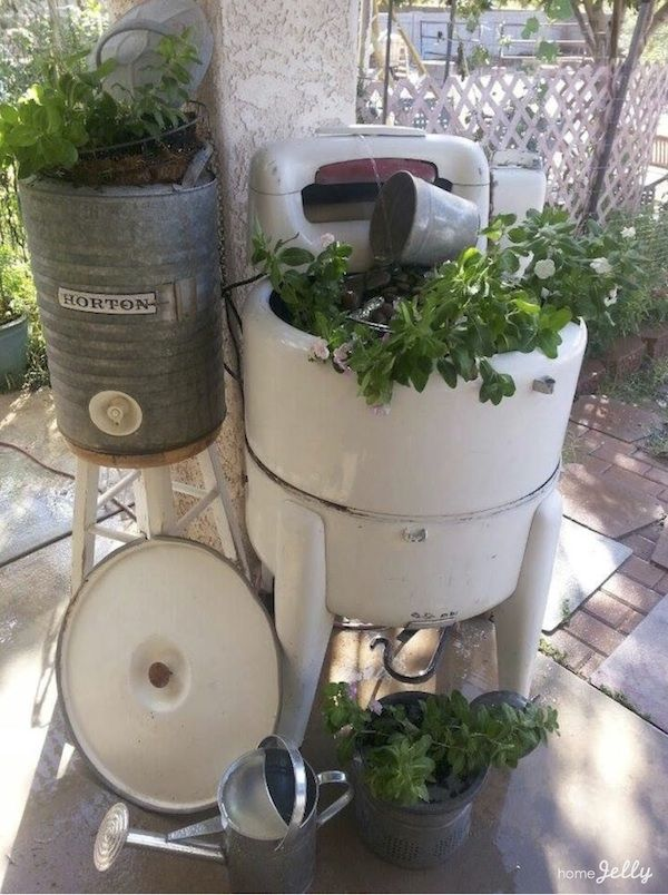 Old Wringer Washer Garden Fountain And Planter Wringer Washer Garden Fountain Vintage Washing Machine