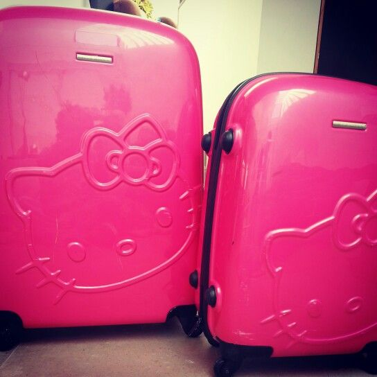 Hello kitty suitcases bb y mamá