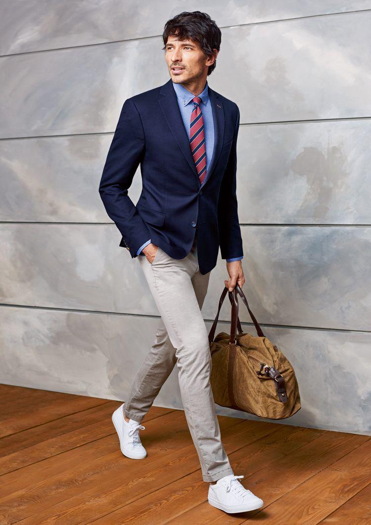 casual dunkelblaues sakko und beigefarbene chinohose mauri pinterest anzug herren herren. Black Bedroom Furniture Sets. Home Design Ideas