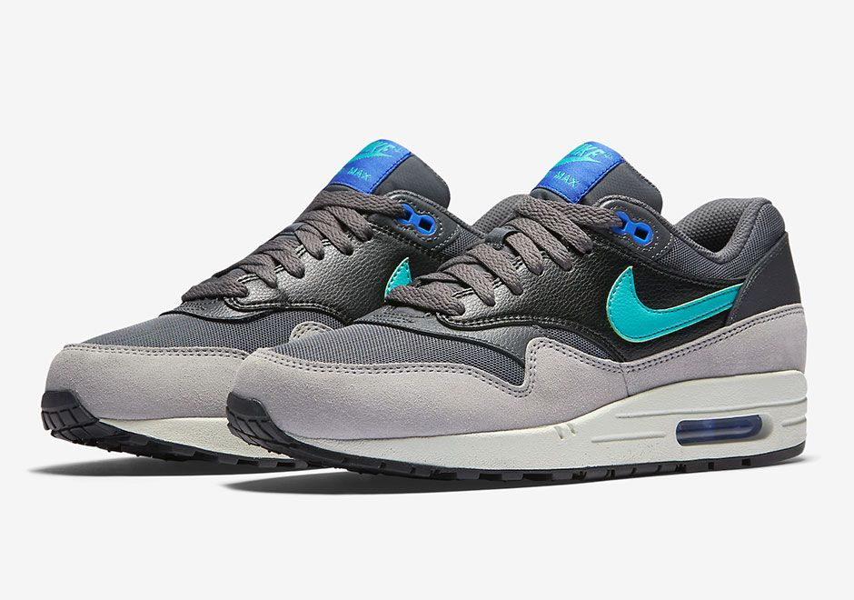 c3dbdd60d5 Nike Air Max 1