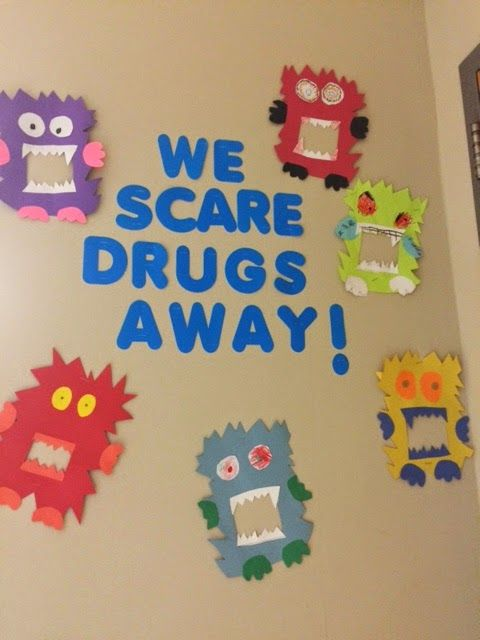 Had fun with a few of my students creating this little display for Red Ribbon Week! What do you do for Red Ribbon week?  How do ...