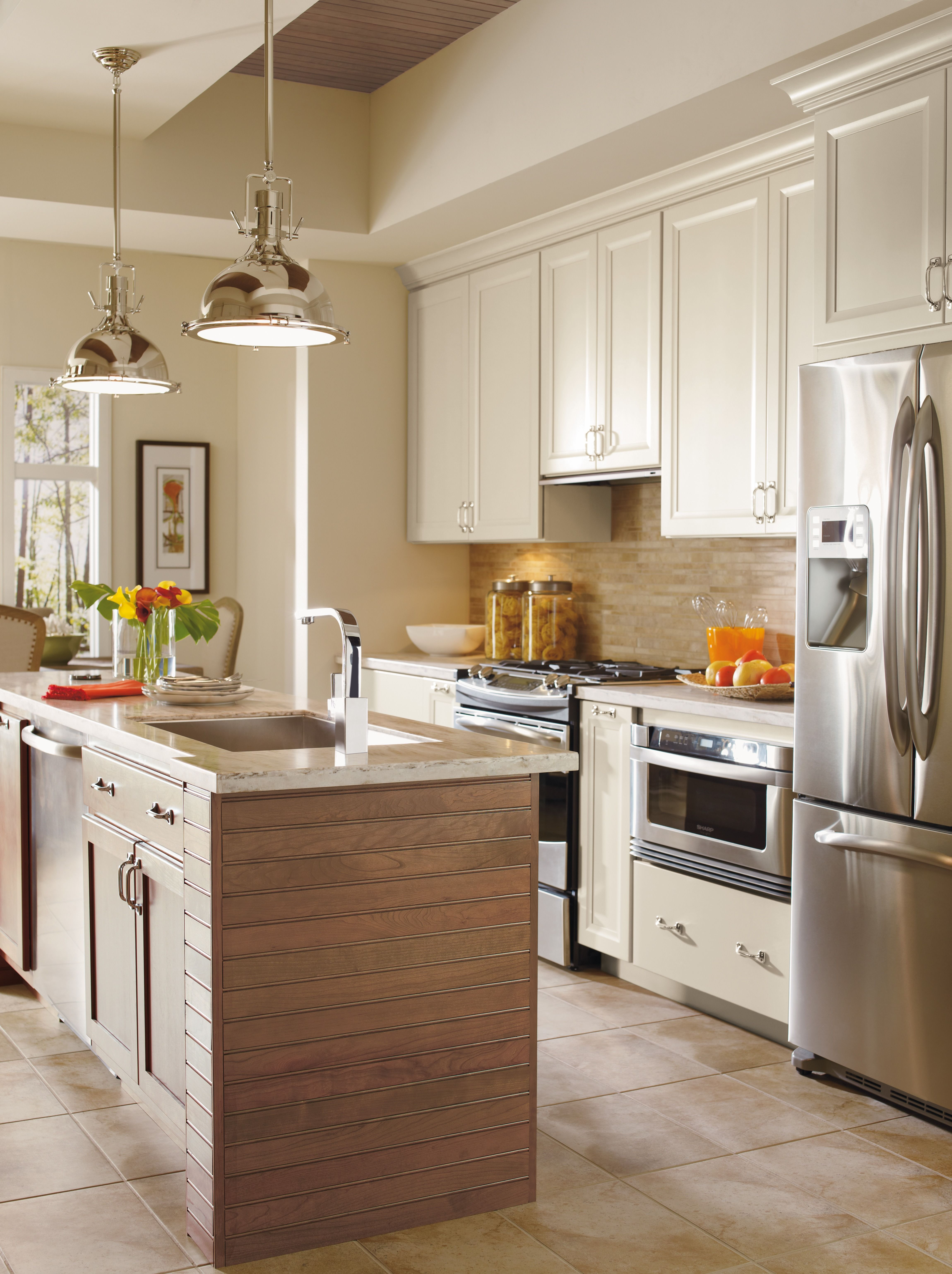 Cherry Riverbed On The Island And Ceiling Complement The Softness Of Dynasty S Maple Magnol Kitchen Renovation Design Kitchen Cabinet Design Kitchen Renovation