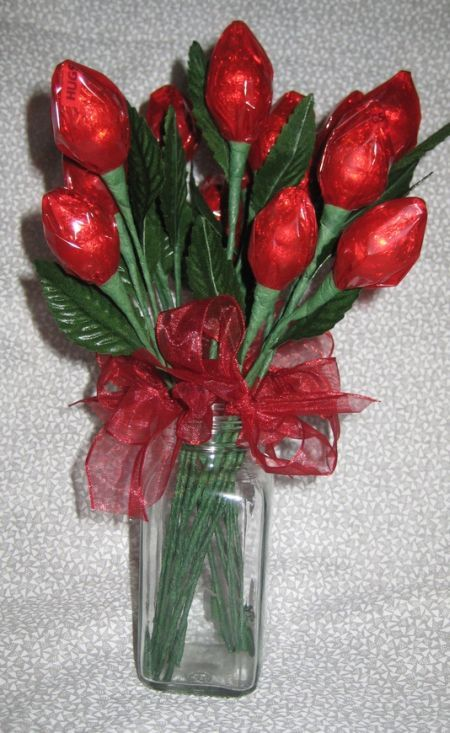Hershey Kiss Rose Favor Idea See More Diy Wedding Favors At Www One Stop Party Ideas