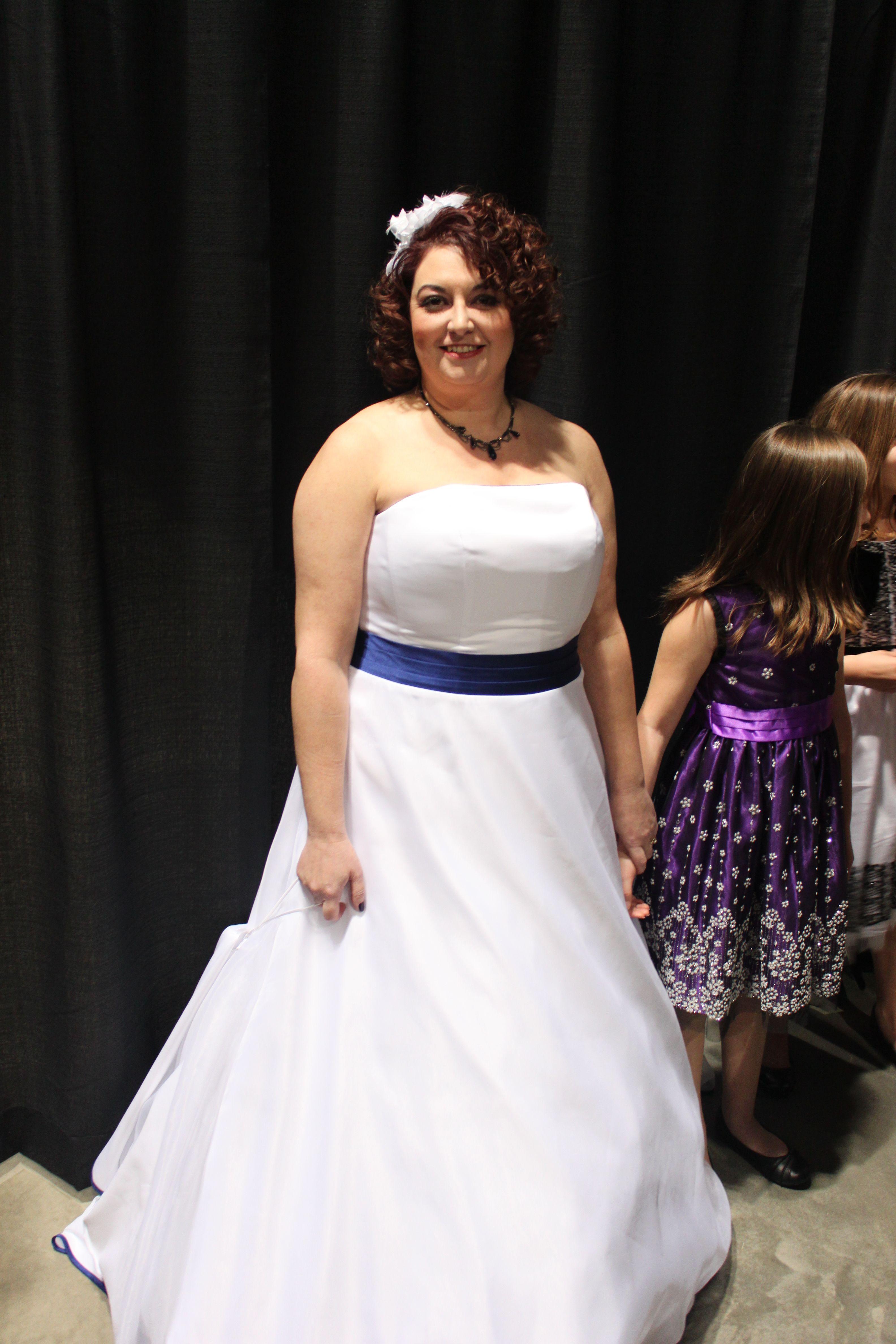 goodwill wedding dresses online