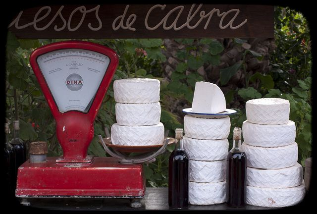 Quesos de cabra / Goat Cheese by Fernando Coello Vicente,