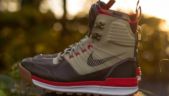 Nike Sportswear has taken its ACG collection to an all new level with the  Nike ACG Lunar Terra Arktos.