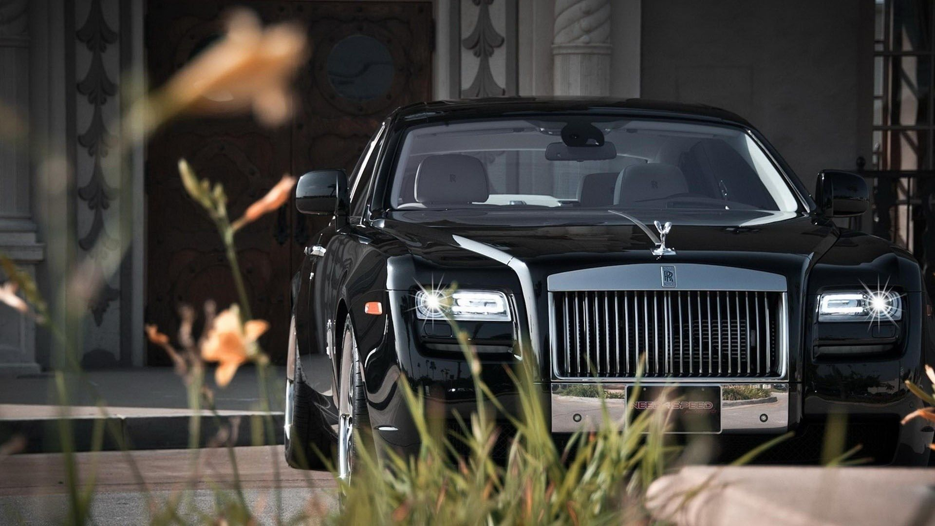 Free Screensaver Wallpapers For Rolls Royce Ghost With Images