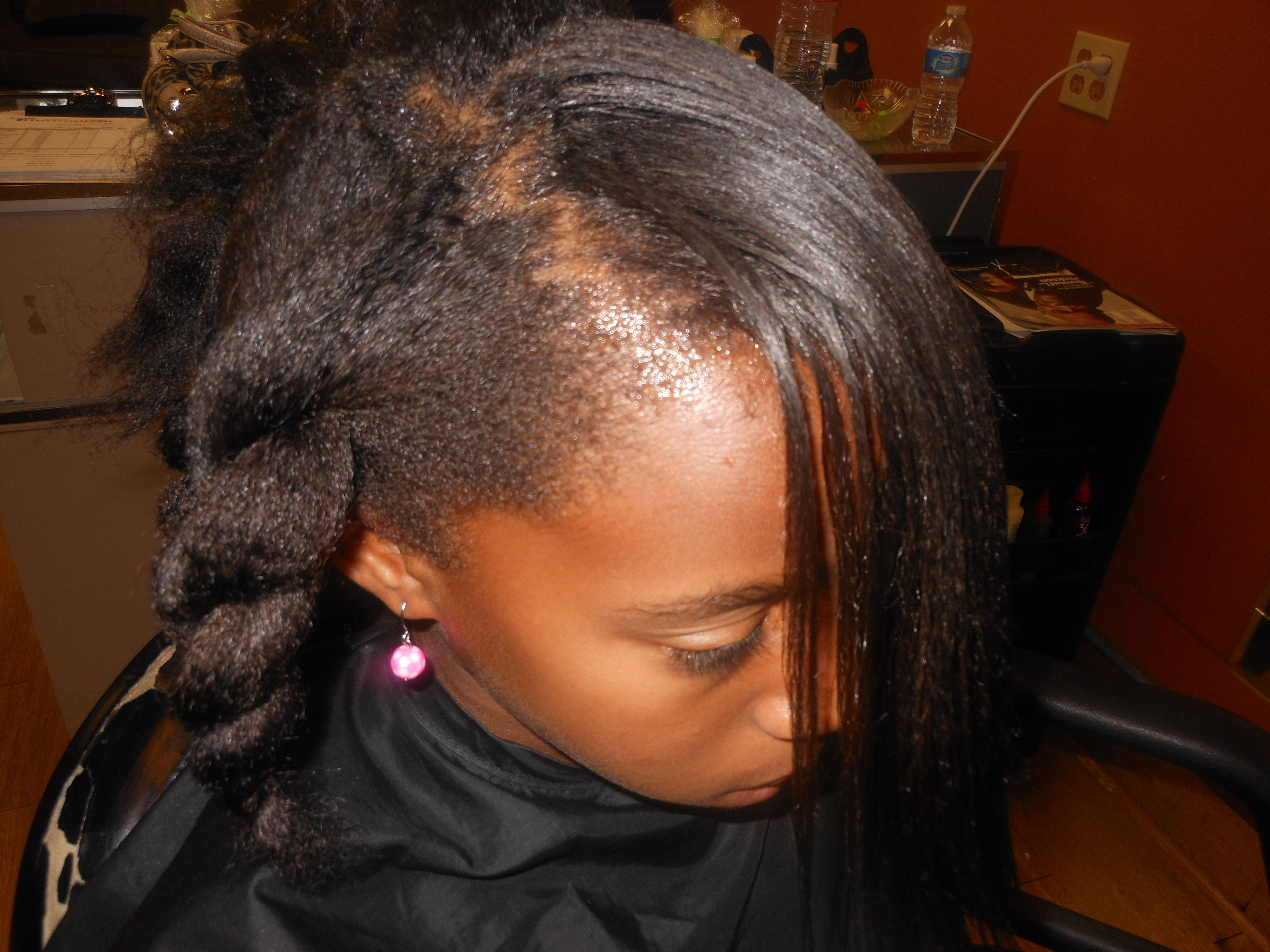 Natural hair can be versatile using Hair Thermalizer enhancing your natural curl pattern.