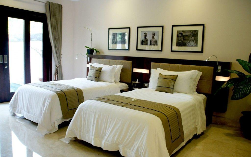 Villa Resort Luxury Elegant Bedroom With Contemporary Twin Beds