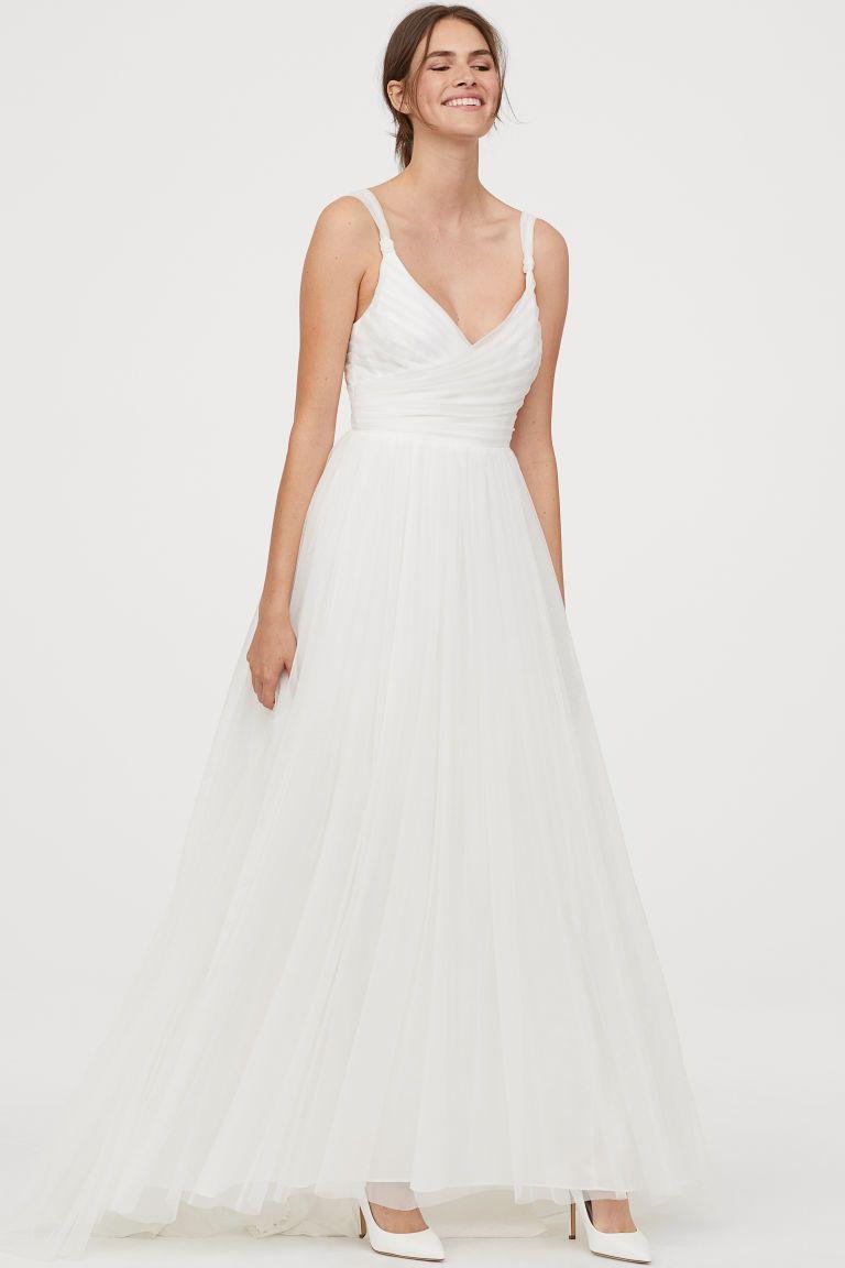 Hochzeitskleid aus Tüll  Hochzeitskleid tüll, Schöne brautkleider