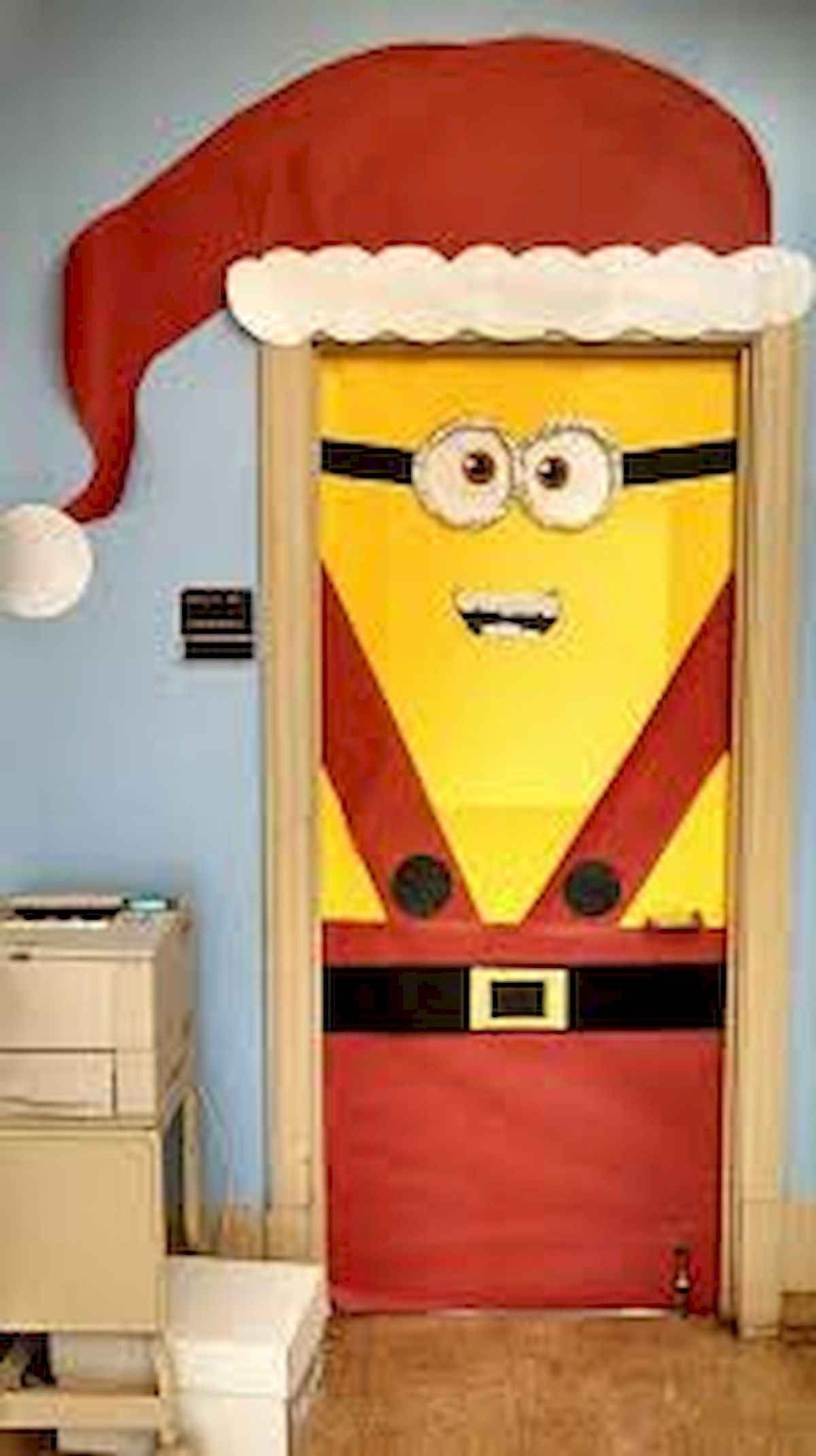 40 Simple DIY Christmas Door Decorations For Home And School #christmasdoordecorationsforschool