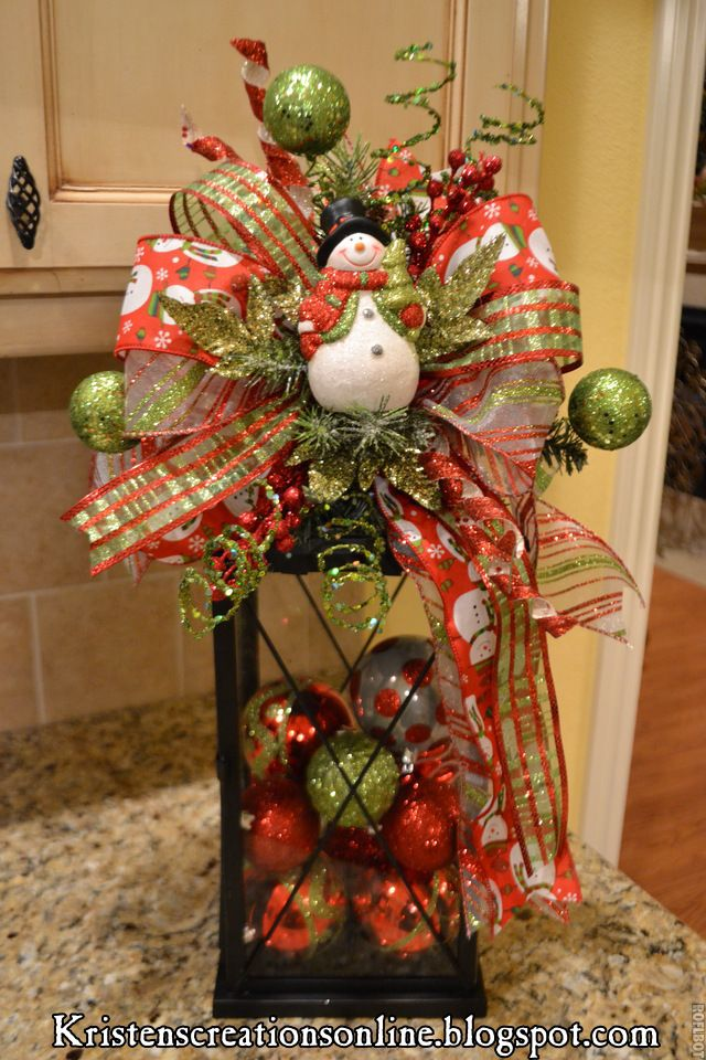 Faroles con adornos de navidad para centros de mesa - Adornos de mesa navidenos ...