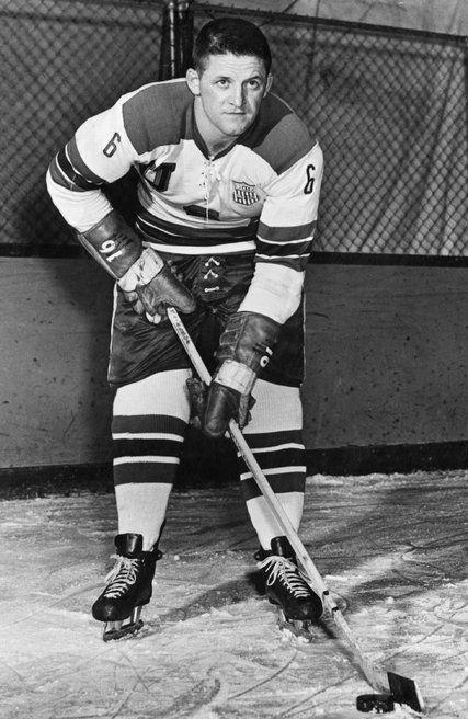 Jack Kirrane Captain Of U S Gold Medal Hockey Team In 1960 Dies At 86 Hockey Teams Olympic Hockey Olympic Team