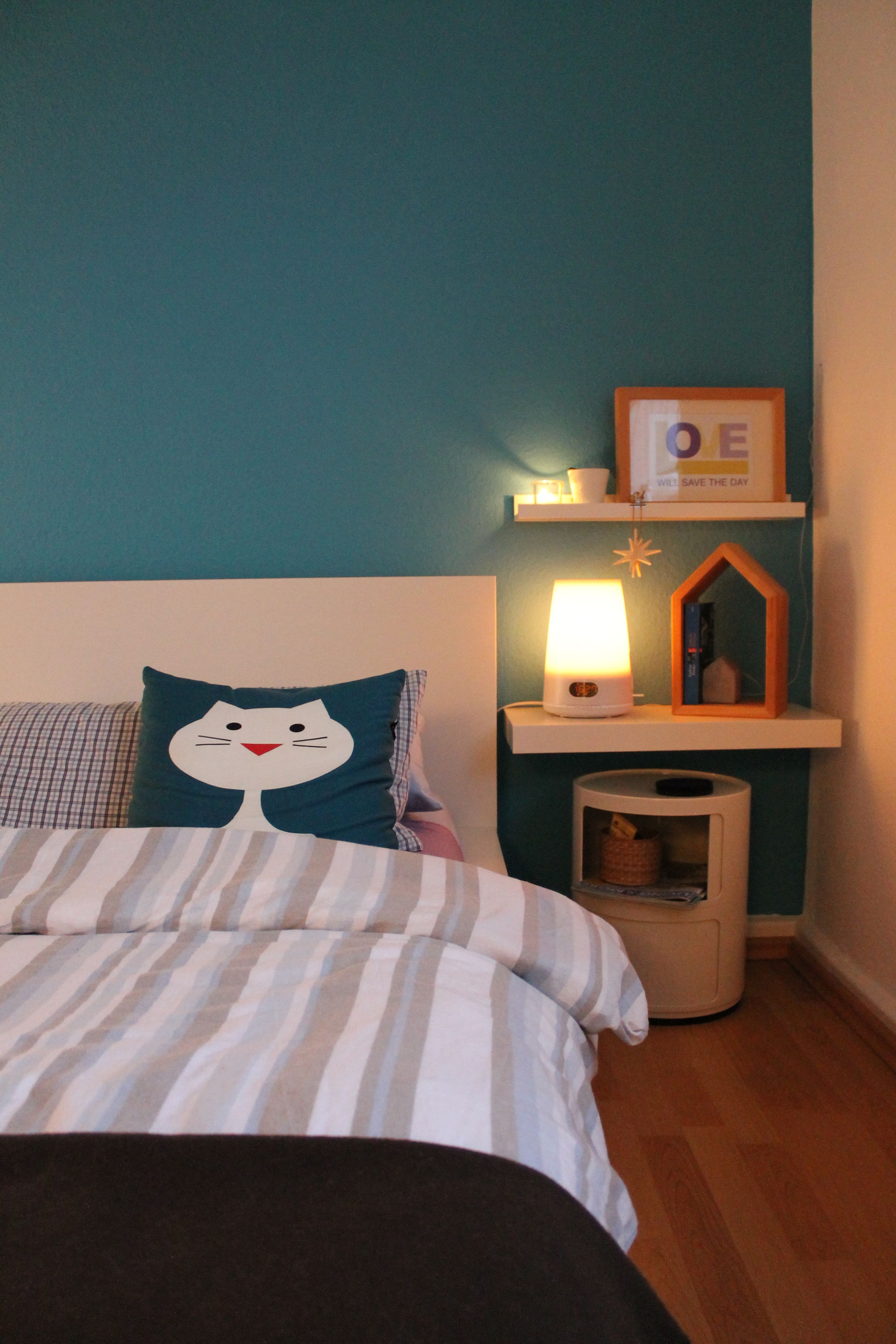 My New Bed Side Blue Wall Ikea Malm White Iittala Kivi Clear Philips Clock Componibili 2 White Wohnen Wohn Schlafzimmer Zimmer
