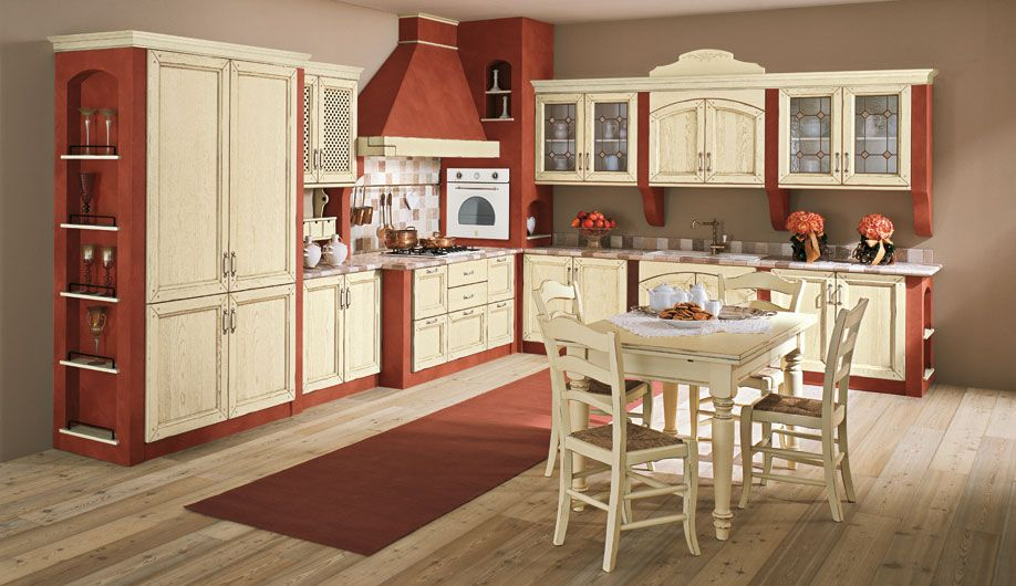 Cucina in muratura con ante in legno consumato color panna | Дизайн ...