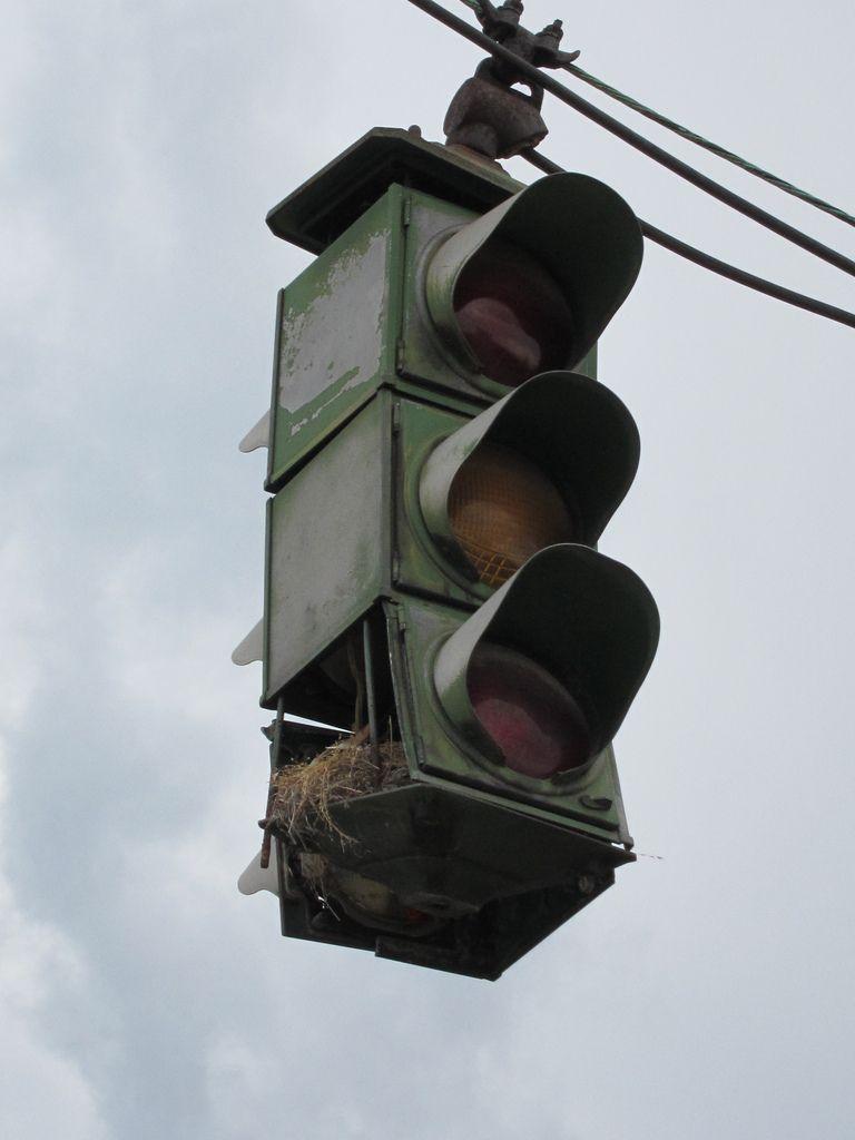 abe4d38293e7 old traffic light
