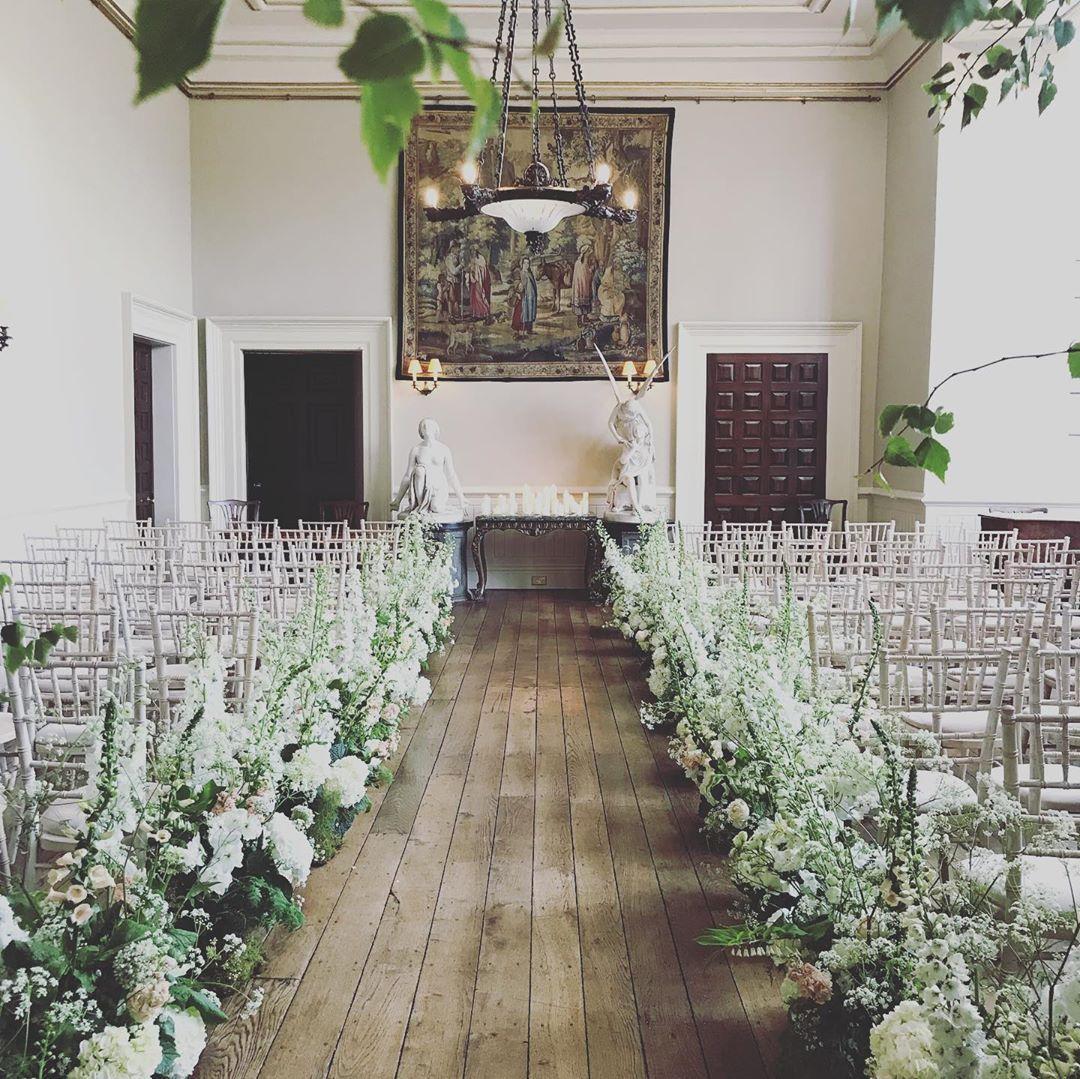 Pin On Lyndsay Lewis Wedding Flower Favs