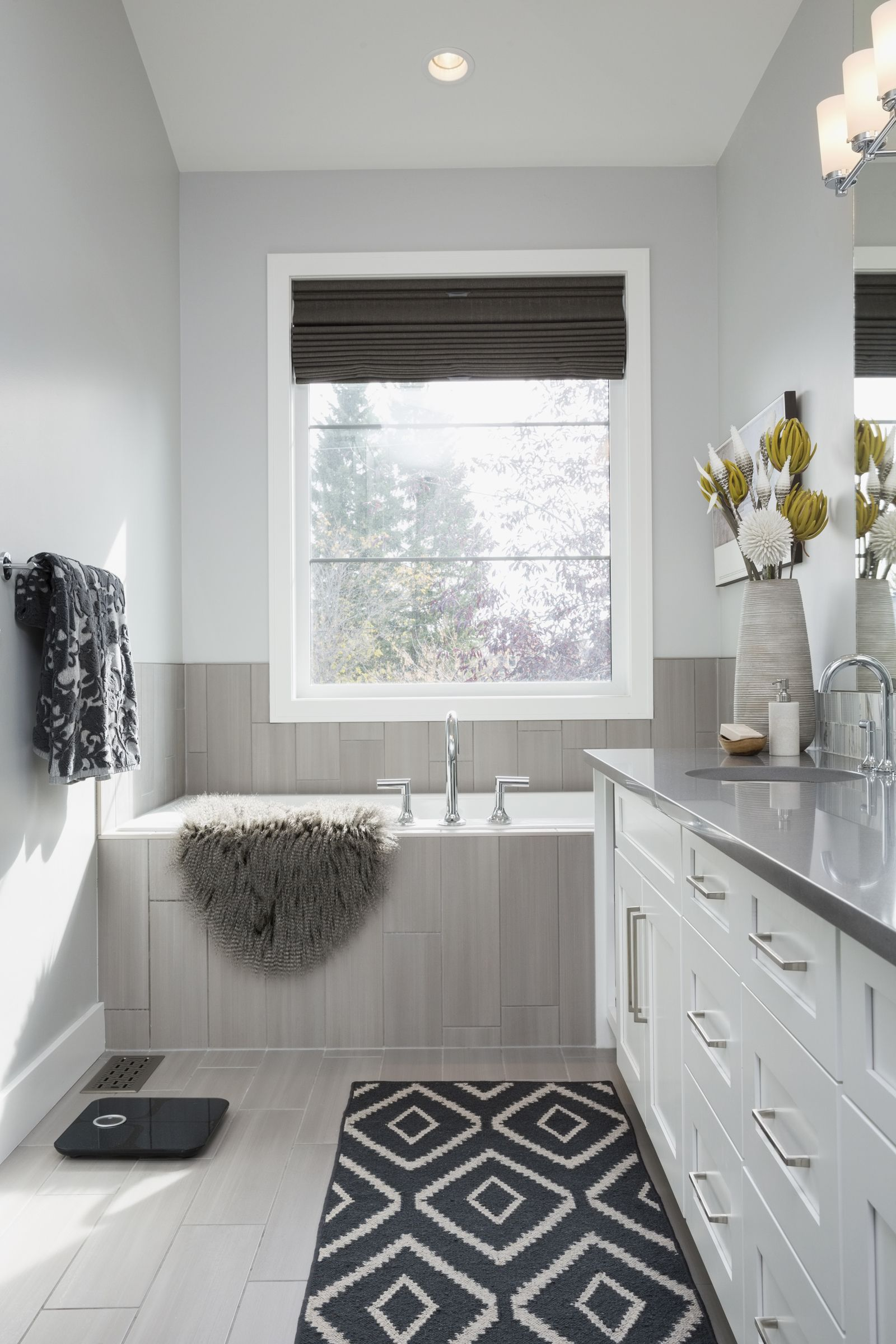 Joanna Gaines Reveals Her 5 Favorite Paint Colors | White tiles and ...