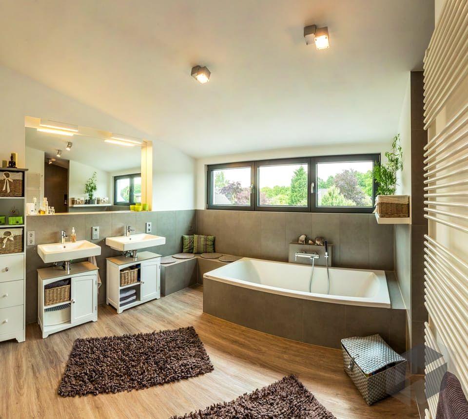 Generationenhaus Von Meisterstuck Haus Bad Impression Finde Hauser Von Verschiedenen Anbietern Auf Www Fertighaus Haus Fertighauser Badezimmer Renovieren