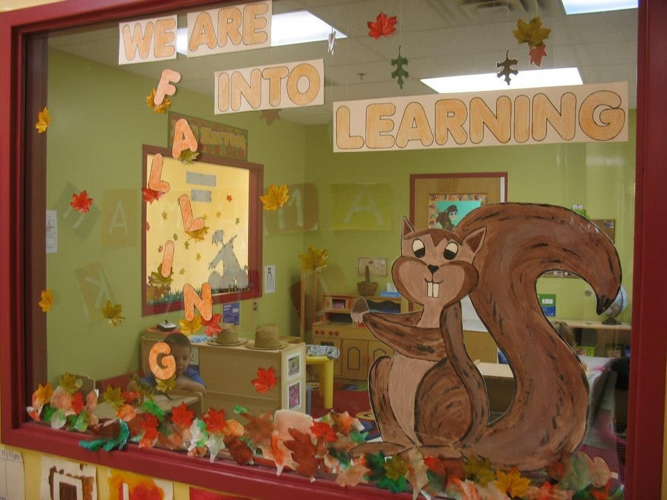 Fall window decoration for preschool projectgabi my for Autumn window decoration
