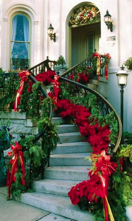 Cheery Christmas Decorations At The Former Granite Steps Inn In