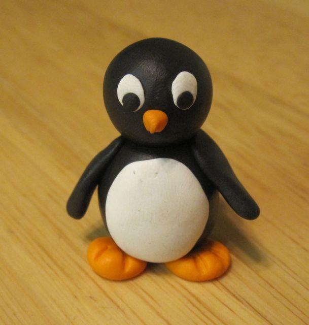 En söt liten pingvin.
