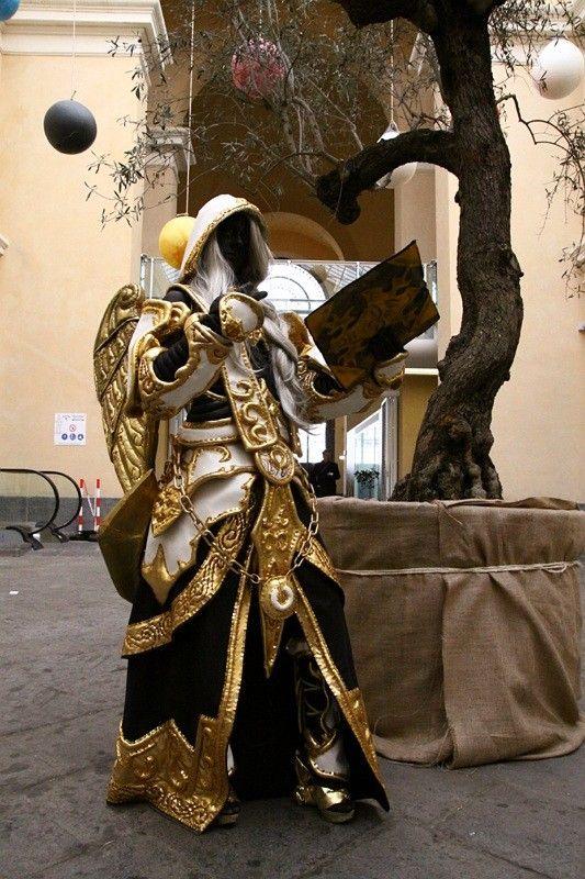 Videogame: World Of Warcraft. Character: Sister Benedrion, Human Priest. Cosplayer. Samuela Cannata 'aka' UmaLady // LadyMysterya. From: Italy. Event: Global game Jam - Catania, 2013.