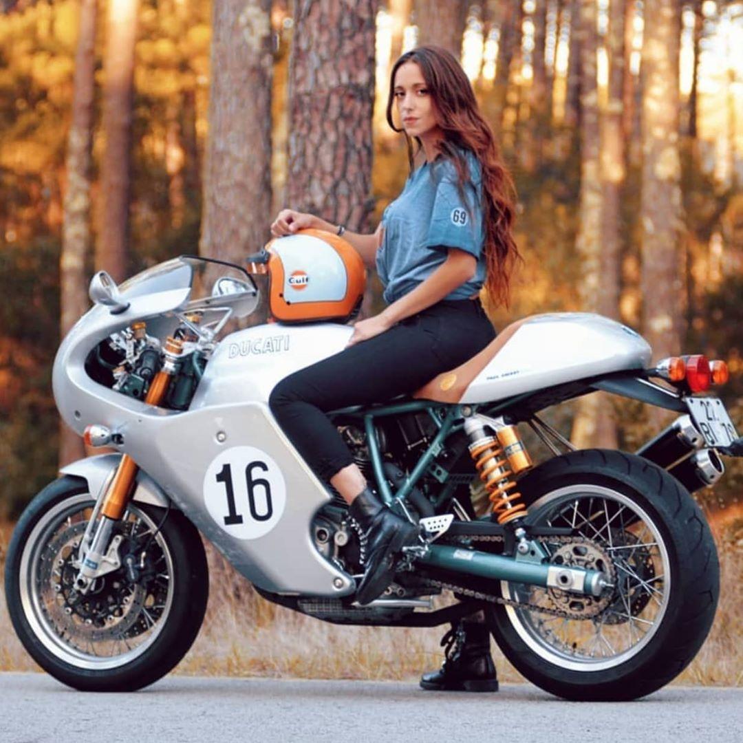 "DucatiSpecial on Instagram: ""Ducati special biker @_anapina_ #ducaticlassic #ducaticlassics #ducatilover #iloveducati #ducatilive #ducatilife #ducatinsta…"""