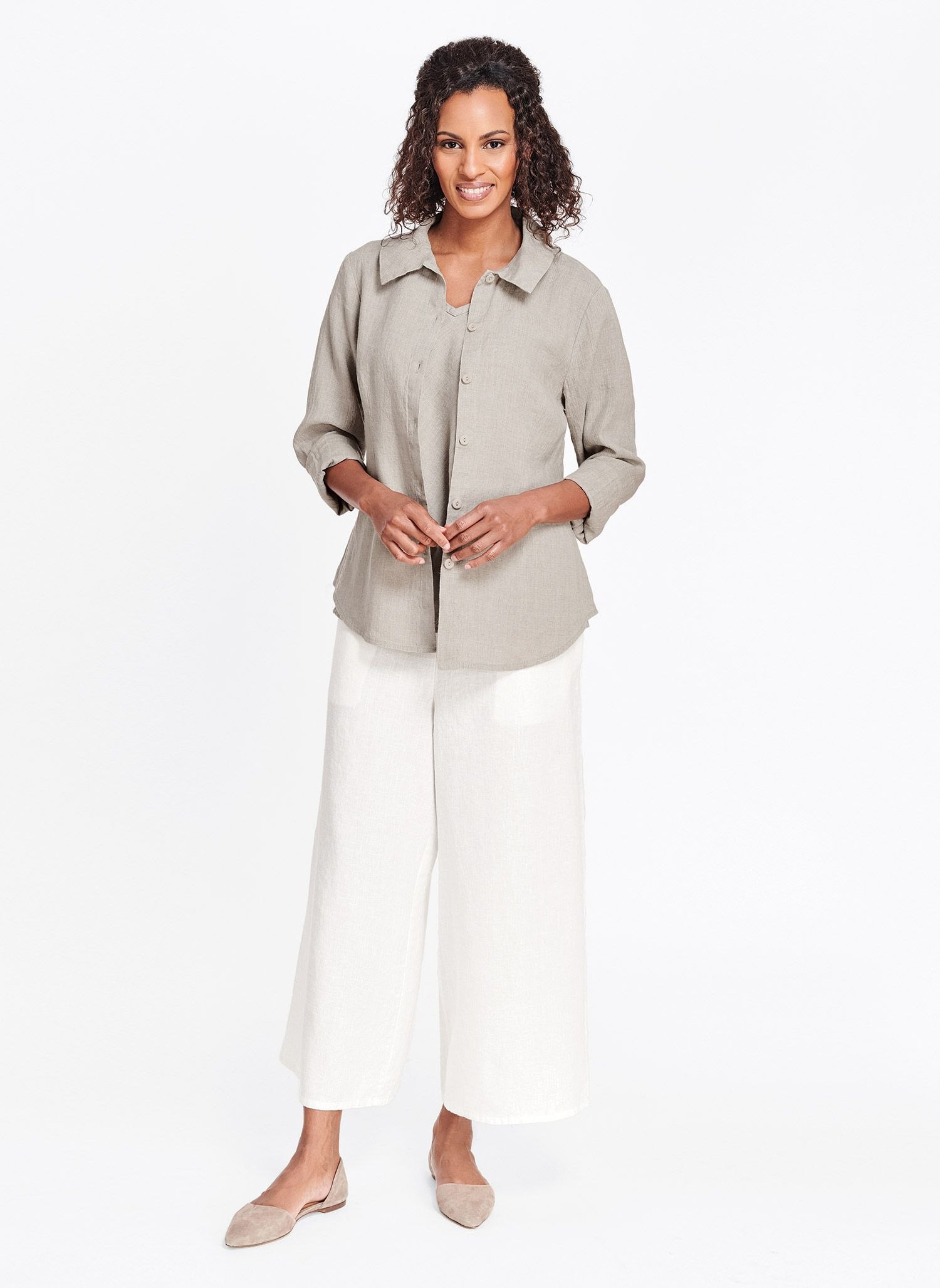 A wide leg and flat front makes for a flattering 100