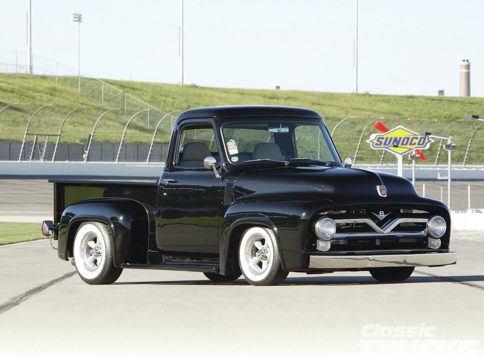 1955 ford f 100 pickup don t the red wheels look great cars trucks warbirds tractors jdh pinterest ford wheels and cars