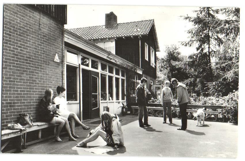 Nijverdal - jeugdherberg 'Doevenbree' → Hier waren we in 1969 op reis met de Papier Technische School (LTS) Marten Orges uit Loenen op de Veluwe.