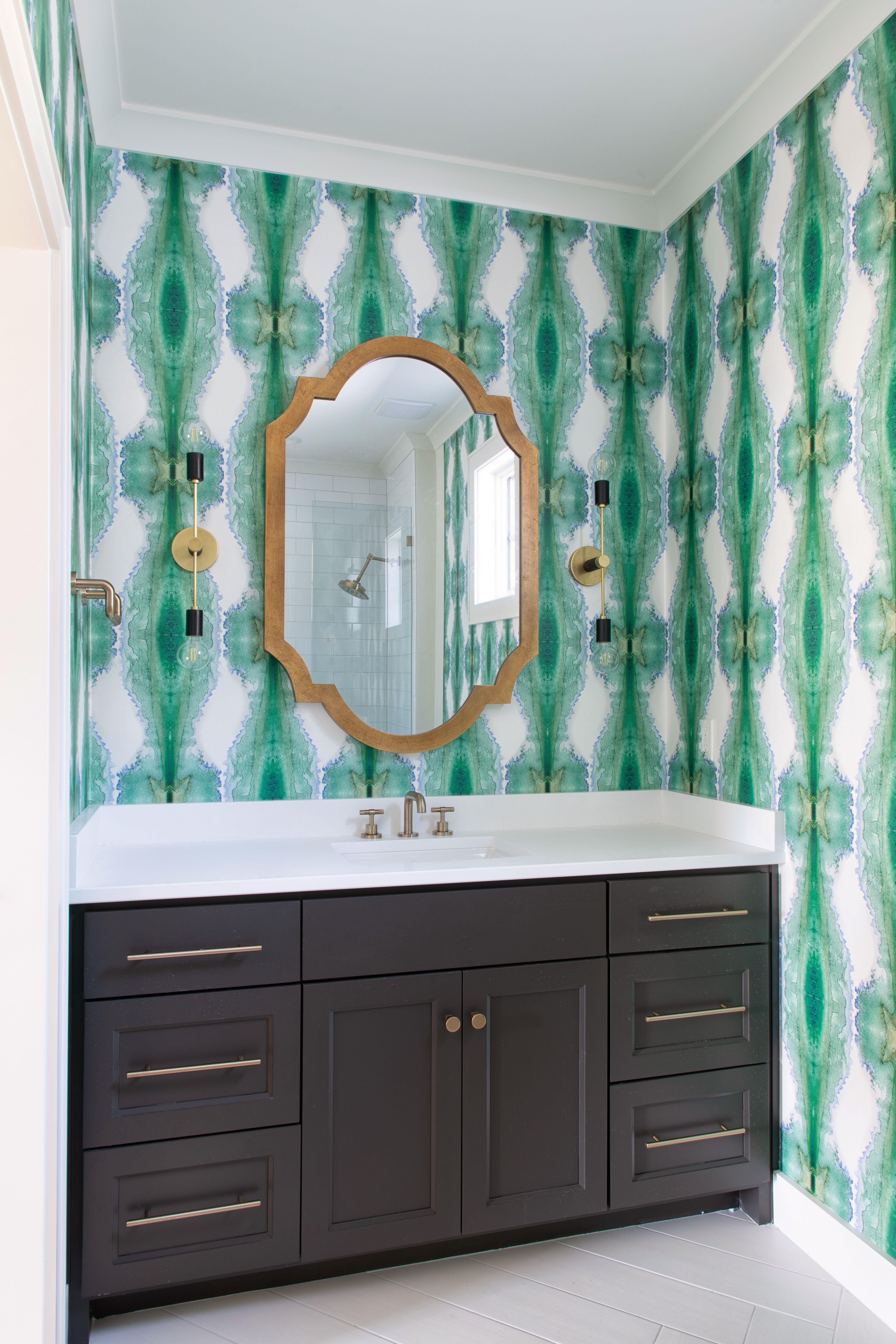 Wallpaper bath Painting bathroom White oak