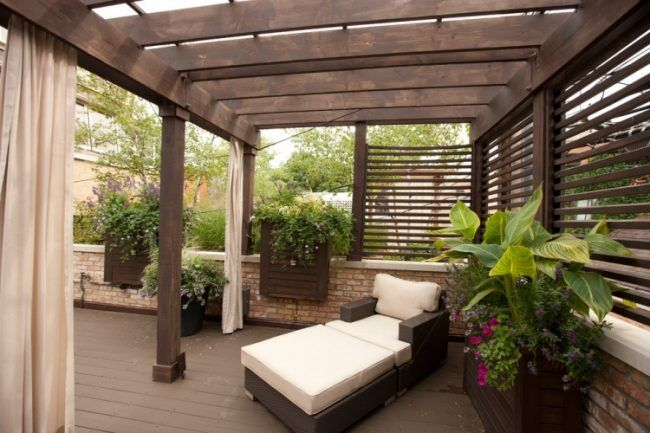 holz pergola terrasse halb freistehend rattan relaxsessel. Black Bedroom Furniture Sets. Home Design Ideas