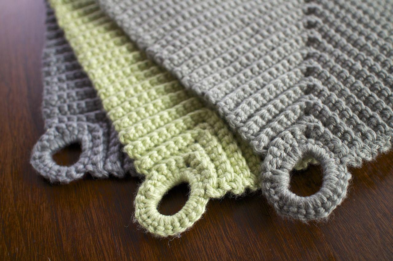 atrulyenormousjourney.com: Crochet pot holder / gehäkelte Topflappen ...