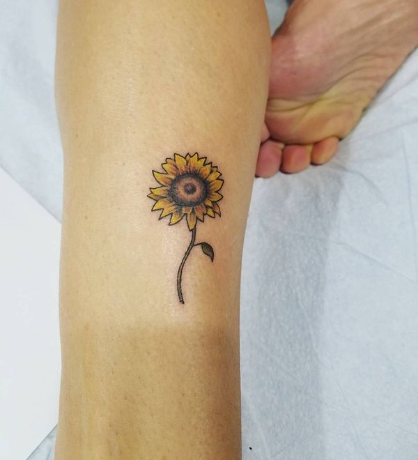 Small Sunflower Tattoo Meaning: Sunflower Tattoo Meaning And Designs // August, 2019